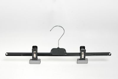 Klammerbügel aus kunststoff schwarz